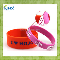 Hot selling custom made logo embossed with color diy rubber loom band