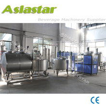 Soft drink making system with Co2 carbonated mixer