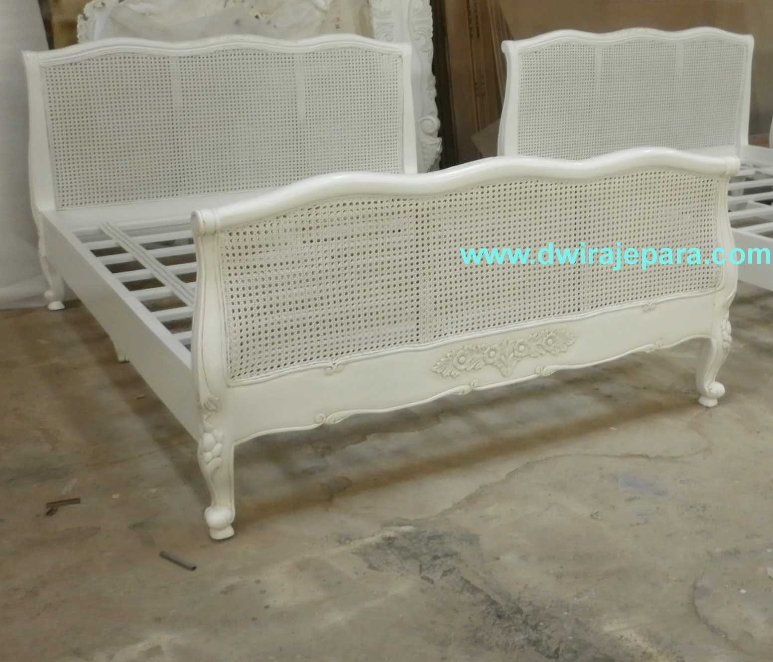 French Furniture Bedroom Classic Louis Rattan Bed Furniture Jepara