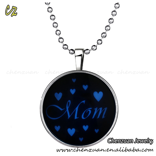 Mother's gifts Jewelry wholesale glow in the dark glass cabochons glowing heart necklace