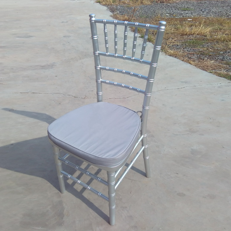 Silver Color Wooden Chiavari Wedding Chair with Soft Cushion