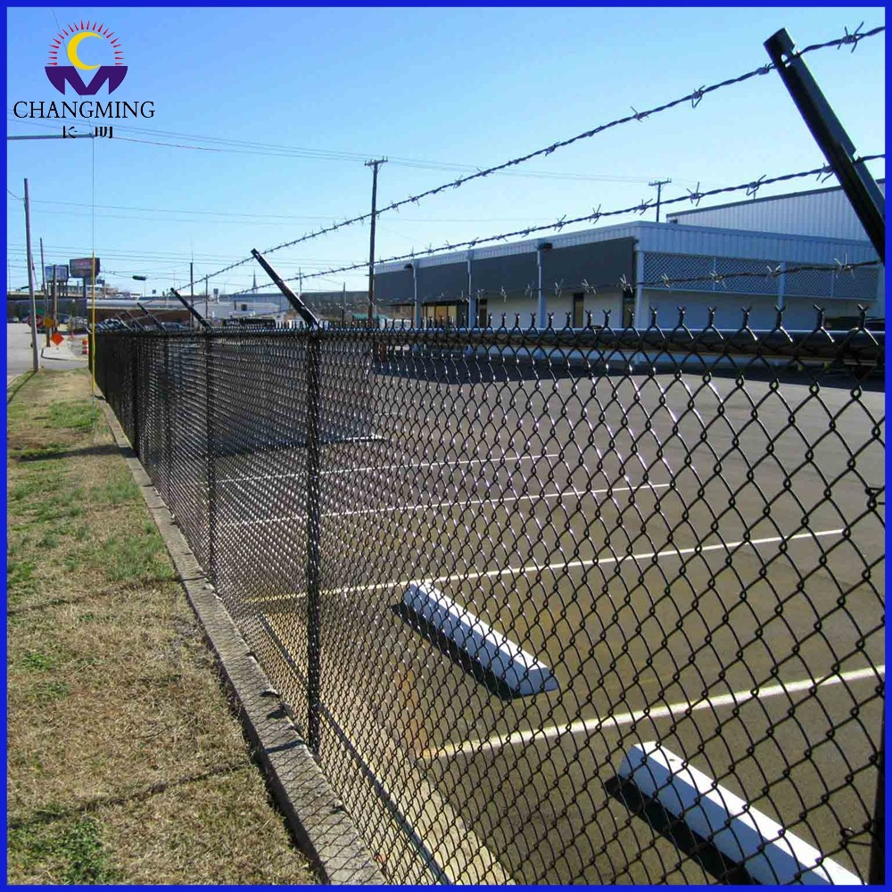 Beautiful low carbon iron wire chain link fence for football field fence from Anping China