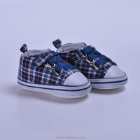Wholesale plaid sneaker cheap soft sole baby boy shoes