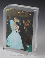 "4"" x 6"" acrylic vase with photo frame for Tabletop and Magnetic Closure"