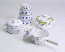 beautiful decals enamel cookware 4 sets of pot &bowl & sacue pan