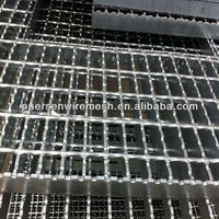 welded serrated carbon steel grating