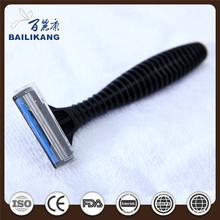 Triple blade stainless steel rubber handle disposable razor lubricate strip