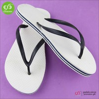 China Supplier New Design Slippers Cheap Rubber White Flip Flops