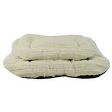 Cheap Cute Warm New Arrival Pet Sleeping Strip PV Fleece Luxury Dog Beds