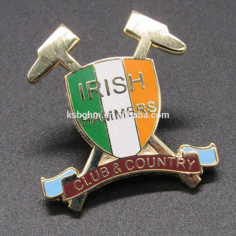Customized Oem / Odm Imitation Hard Enamel Club&Country Badge