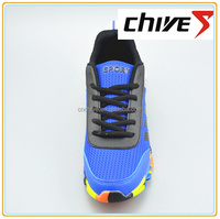 The colorful sole sports running shoes for men