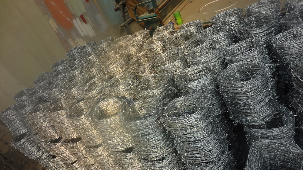 2017 dade sell anti theft barbed wire mesh