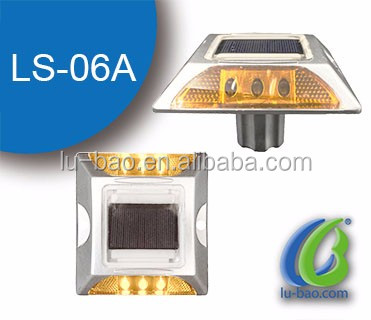 Hot Product High Brightness Reflector Aluminum Cat Eyes LED Flashing Road Stud Reflective Pavement/Reflective Road Marker