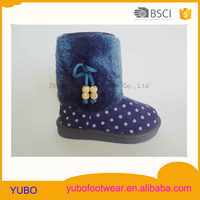 Warm injection winter snow boots with a wide hair ring