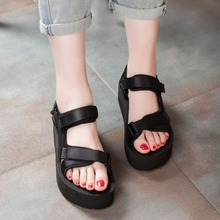 China factory wholesale rubber flat new model women sandals shoes