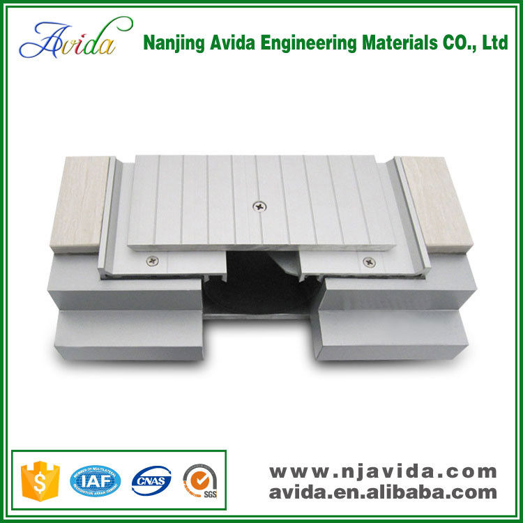 Exterior aluminium alloy expansion joint covers for concrete floor
