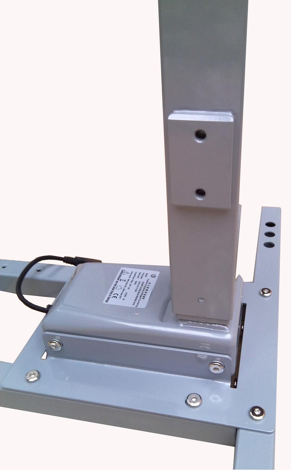 Eelectric Height Adjustable Standing Desk & Height