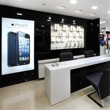 Custom mobile phone shop interior design with display cabinet