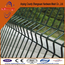 Welding Wire Mesh Fence Fabric /3V curves wire mesh fence decorations /folded fence wire mesh fence