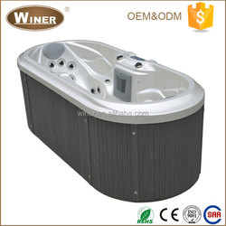 2016 Hot Sale Outdoor Indoor Musical acrylic Underwater LED light portable 2 person hot tub whirlpool jet massage spa bath