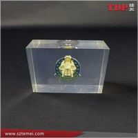 Embedded Metal Bedge Clear Square Resin Paperweights