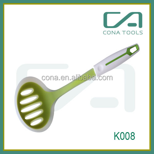 Professional Kitchen Utensil Silicone Pasta Server