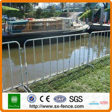 High quality galvanized crowd control barrier fence