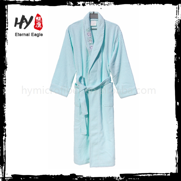 Customized wholesale hotel bathrobe with low price