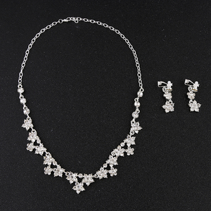 New Selling Attractive Style Simple Long Pearl Necklace Bridal Jewelry Necklace