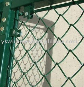 PVC Coated or Galvanized Diamond Wire Mesh/chain link fence 17