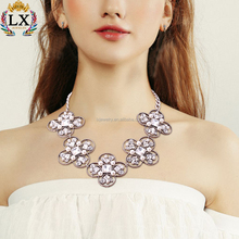NLX-01188 2018 new design elegant wedding/party jewelry freshwater large rhinestone pearl four leaves clovers shape necklace
