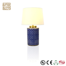 Chinese traditional blue and white home goods decorative ceramics bedroom reading led desk porcelain lamp