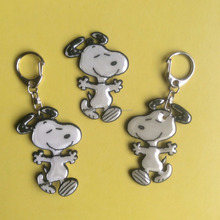 OEM custom Snoopy reflective pvc led light keychain , plastic flashlight keyring