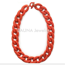 Hot wholesale red knit plastic chain necklace