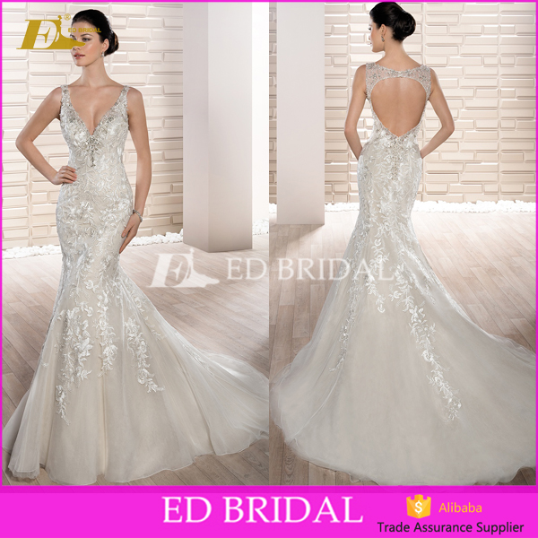Latest Bridal Wedding Gowns Charming Deep V-Neck Lace Appliqued and Beaded Mermaid Wedding Dress 2017
