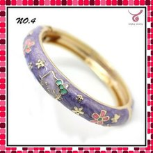 Latest design bracelets 2012, metal bangles bracelets with hello kitty animal enamel pattern with factory price