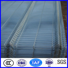 Reinforcing welded wire mesh fence panels manufacture