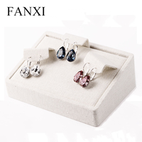 FANXI New Wholesale Beige Linen Ear Stud Exhibitor Free Piercing Pads Earring Jewelry Display Stands Prop Earrings Holder Stand