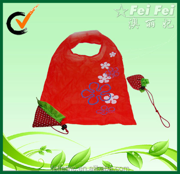 Reusable Sweet Strawberry-shaped Foldable Polyester Bag