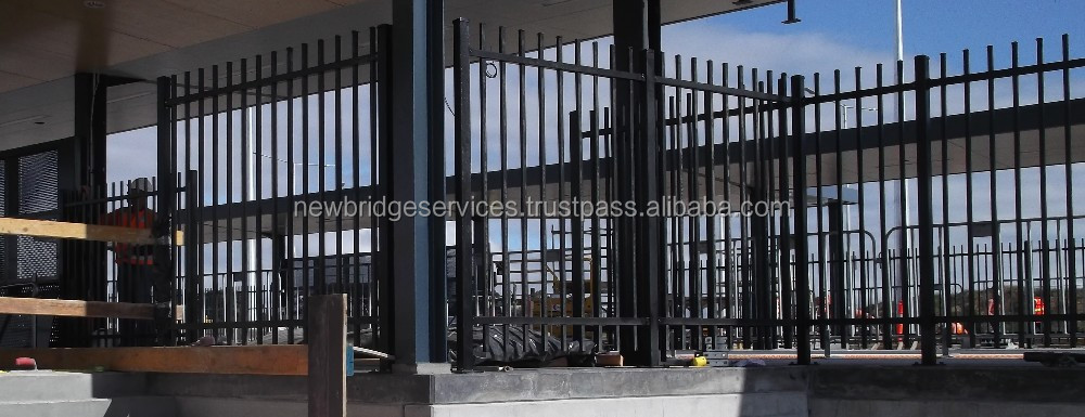 spear pressed/capped top tubular fence