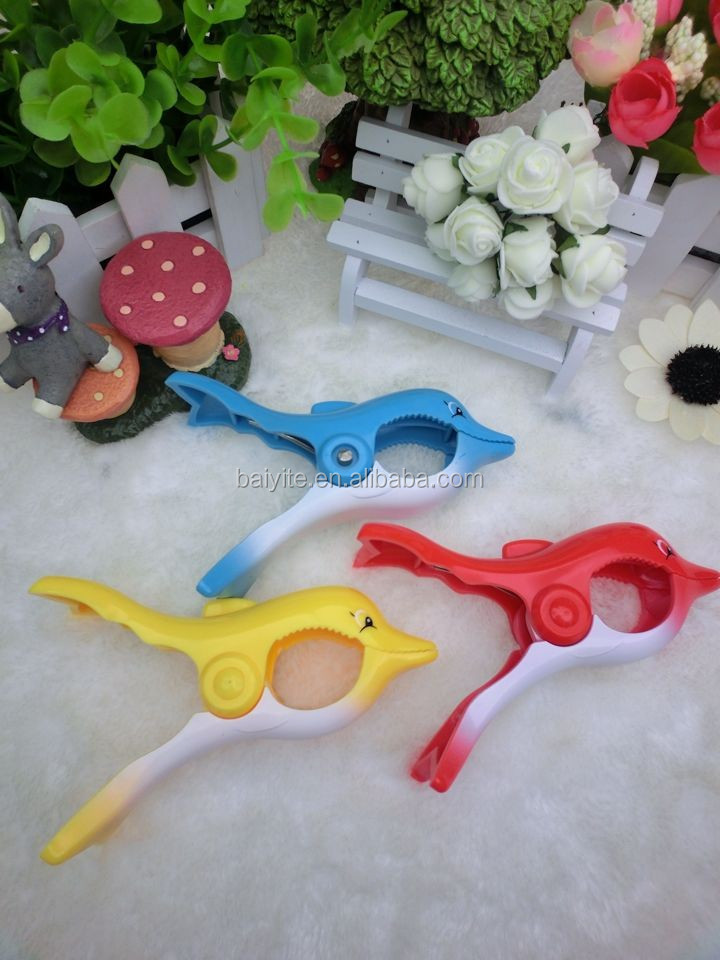 Hot selling dolphin beach towel clips