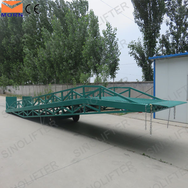 Heavy duty warehouse truck mobile yard ramp forklift loading and unloading dock ramps for sale
