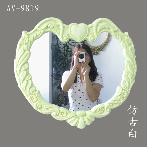 heart shaped decorative wall mirror