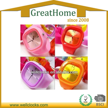 Colorful Fashion Design Ladies Silicone Sports Wrist Watch 2013