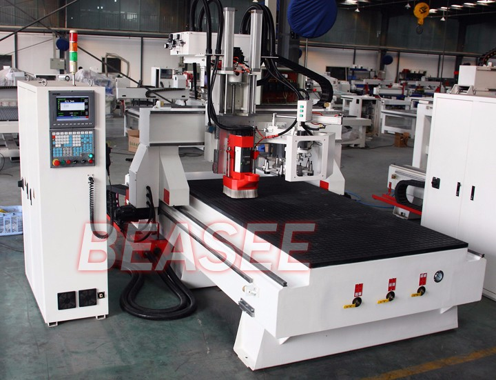 3 axis 4*8 Feet ATC cnc router with 180 degree rotate HSD spindle and AC servo motor BYS-1325