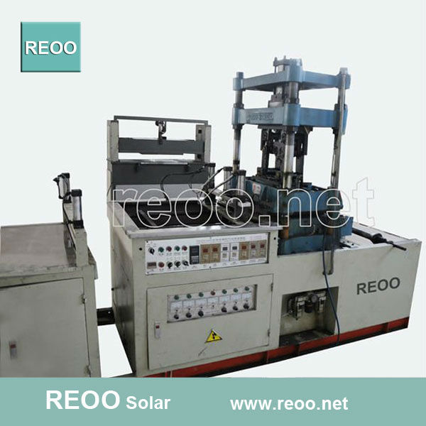 REOO easy operated semi-auto thermoforming machine high capacity