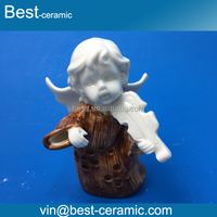 Popular sale cute angel play the violin style ceramic elegant party decorations