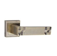 Antique Entrance Door Hardware Fission Zinc Handle Door Lock Square Base Door Handle on Rose