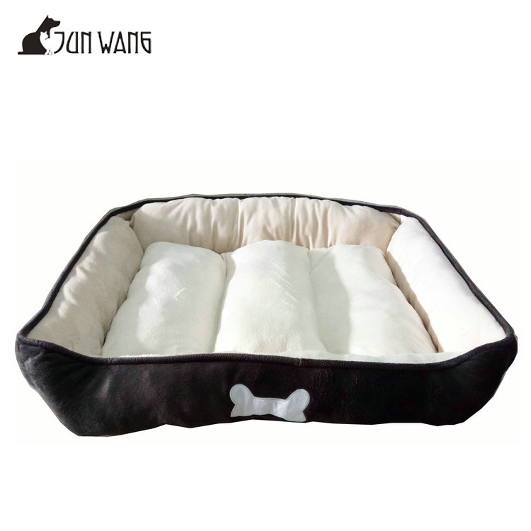 Dog Bone Printed Brown Soft Plush Foldable Luxury Wholesale Large Dog Beds