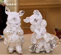 Wedding favor arts and crafts luxury resin pig statue gift items for newly marry couples resin animal figurine